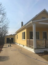 painting home exterior yellow